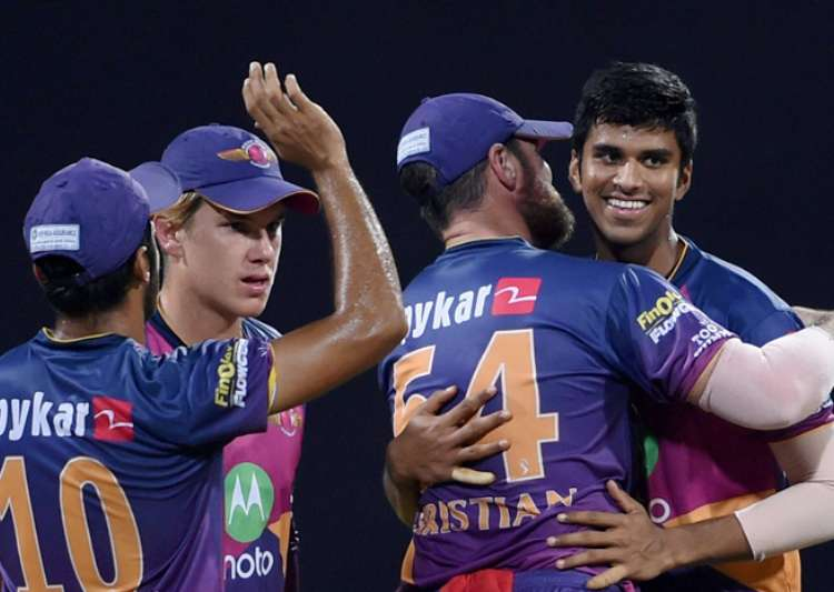 Pune beat Mumbai Indians by 20 runs to enter final - India Tv