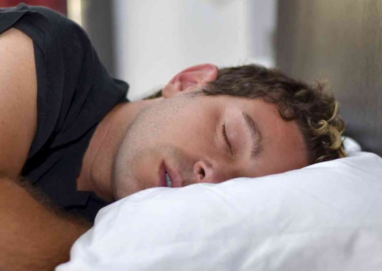 Less than 6 hours of sleep increases death risk - India Tv