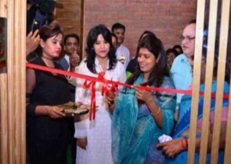 U P minister Swati Singh inaugurates beer bar, CM seeks report
