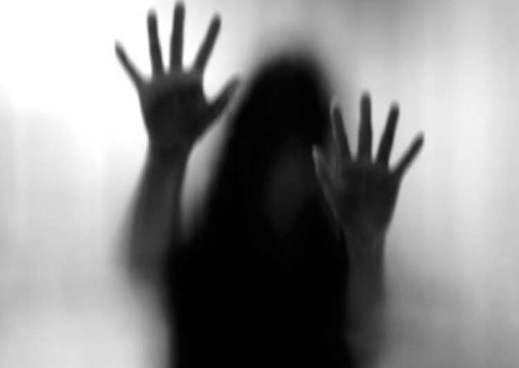 15-year-old girl gang-raped in bus in Tamil Nadu- India Tv