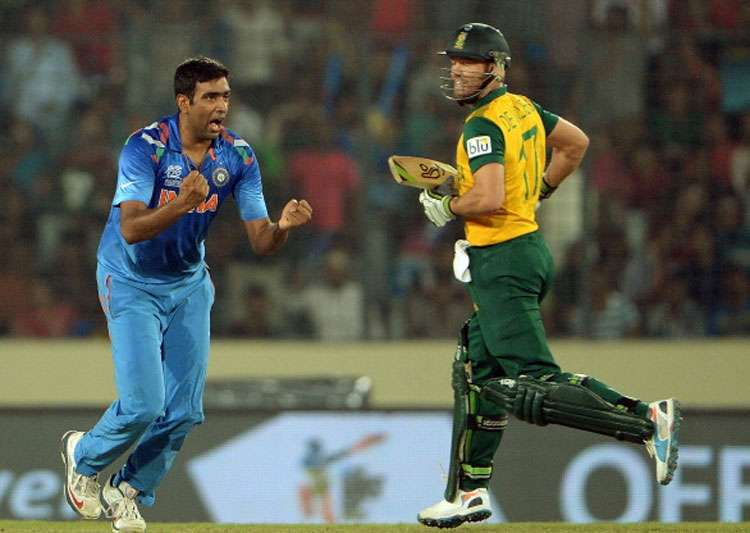 A file image of R Ashwin and AB de Villiers.- India Tv