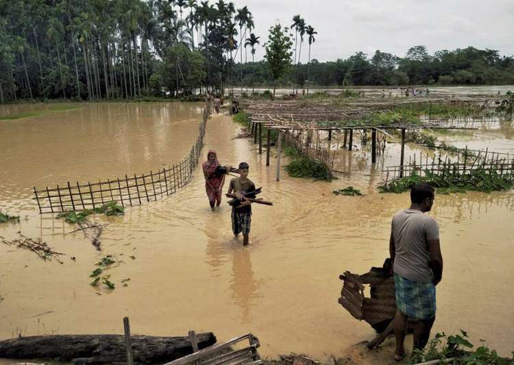 Rains wreak havoc in Assam, 60,000 hit - India Tv