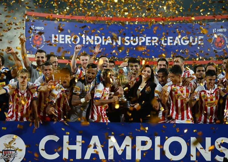 Atletico de Kolkata players celebrate with the trophy- India Tv