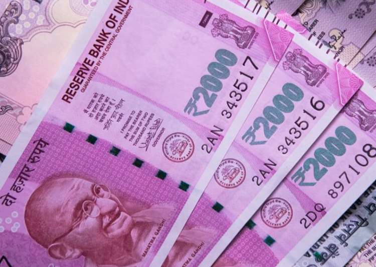 I-T seeks tip-offs on cash dealings of Rs 2 lakh or more- India Tv