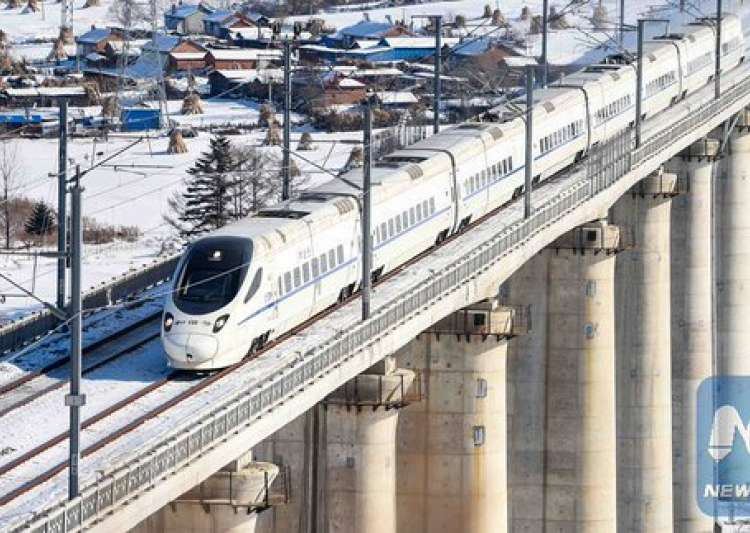 China's fastest bullet train 400km/h makes debut - India Tv