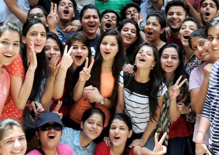CBSE class 10th pass percentage falls to 90.95 pc- India Tv