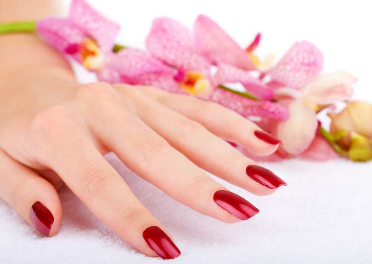 8 simple steps to save your nails from discolouration