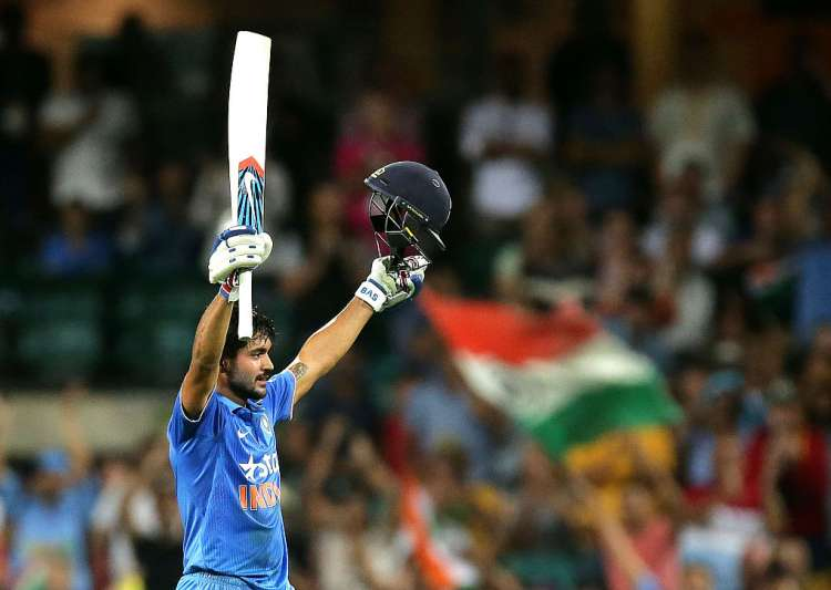 Manish Pandey of India celebrates and acknowledges the crowd- India Tv