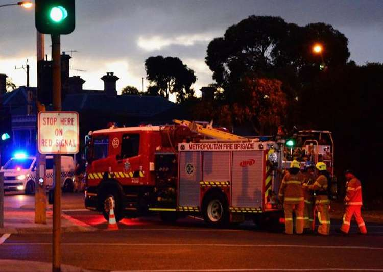 Hostage situation underway in Melbourne, two dead