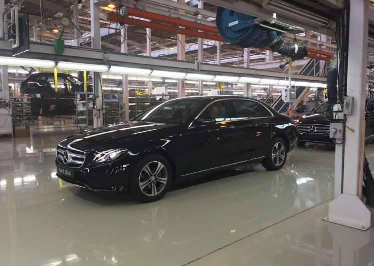Mercedes Benz today rolled out the new E-CLass e220d priced- India Tv