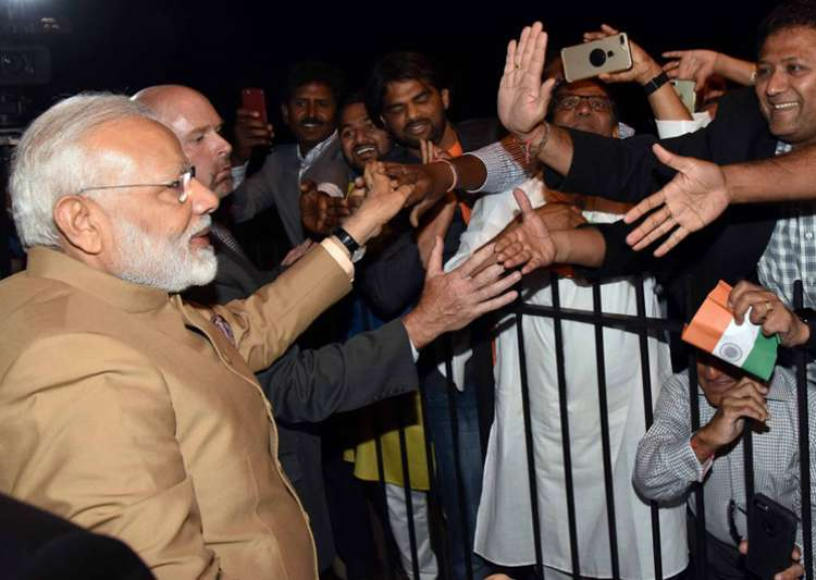 PM Modi given warm welcome by Indians in Washington DC - India Tv
