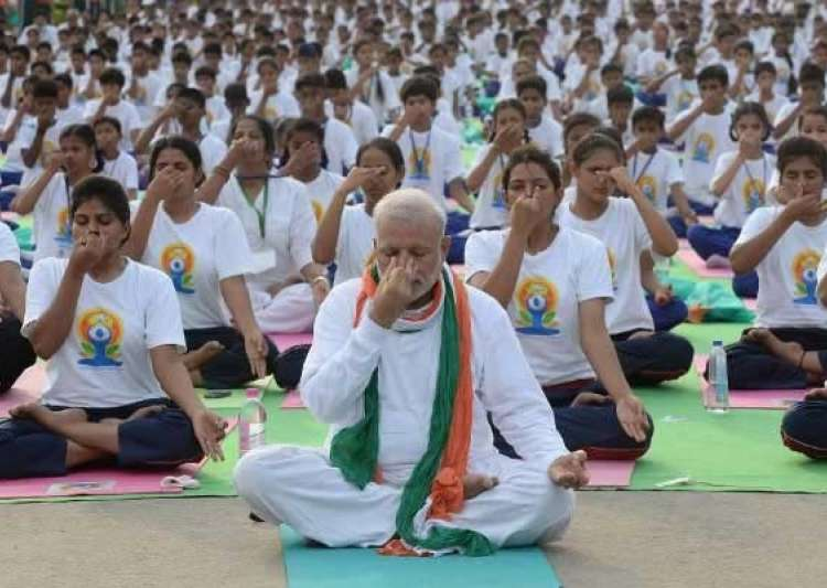Yoga not as safe as people thought: Study- India Tv