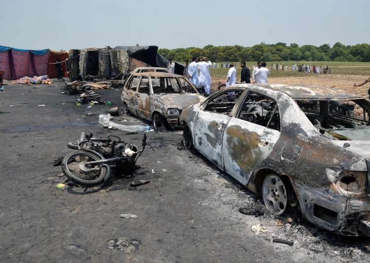 At least 140 killed, 100 injured after leaking oil tanker- India Tv