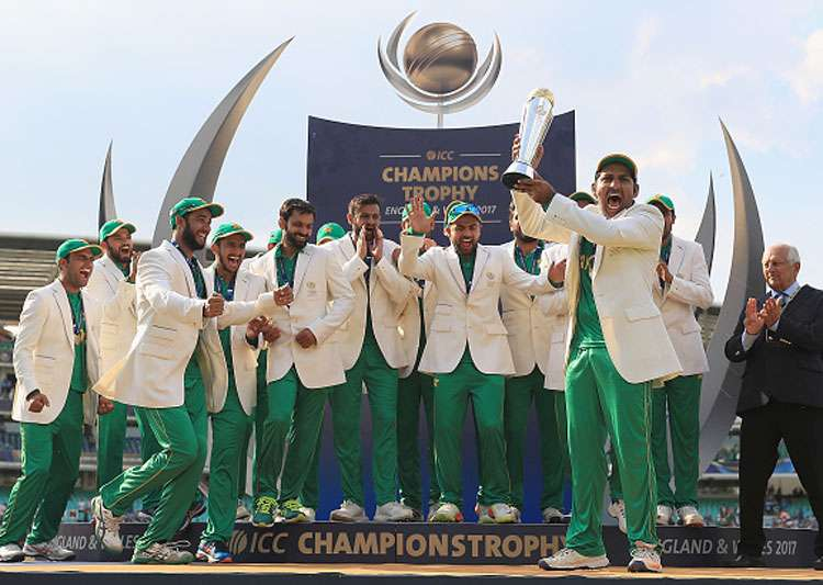 Pakistan celebrate their Champions Trophy 2017 triumph.- India Tv