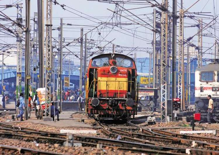 Representational pic - Railways to reduce emission by 33- India Tv
