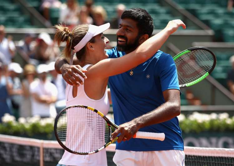 Rohan Bopanna and Gabriela Dabrowski after winning French