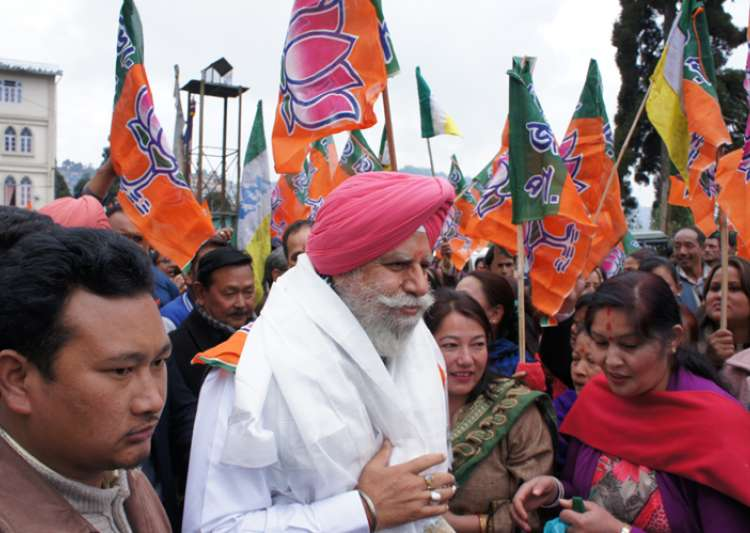 BJP's SS Ahluwalia won from Darjeeling with GJM support- India Tv