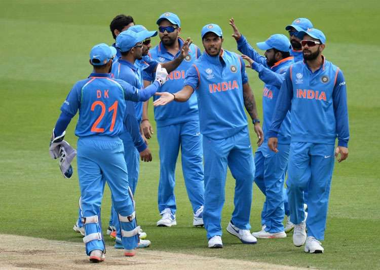 India 319-3 vs Pakistan in rain-hit Champions Trophy match