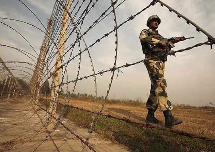 Pakistan Army violates ceasefire on LoC, India retaliates - India Tv