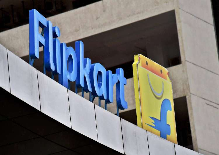 Flipkart makes revised offer of about $950 million to buy Snapdeal