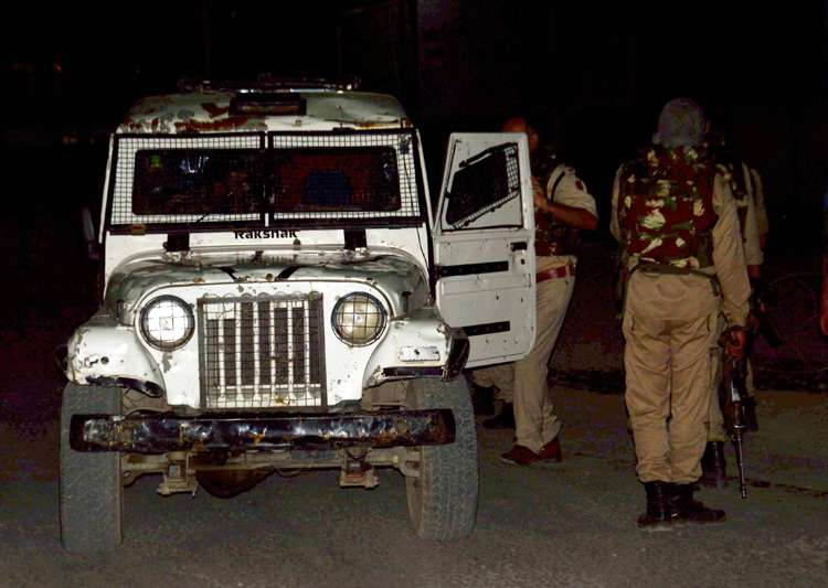 Security personnel after militants opened fire on Amarnath- India Tv