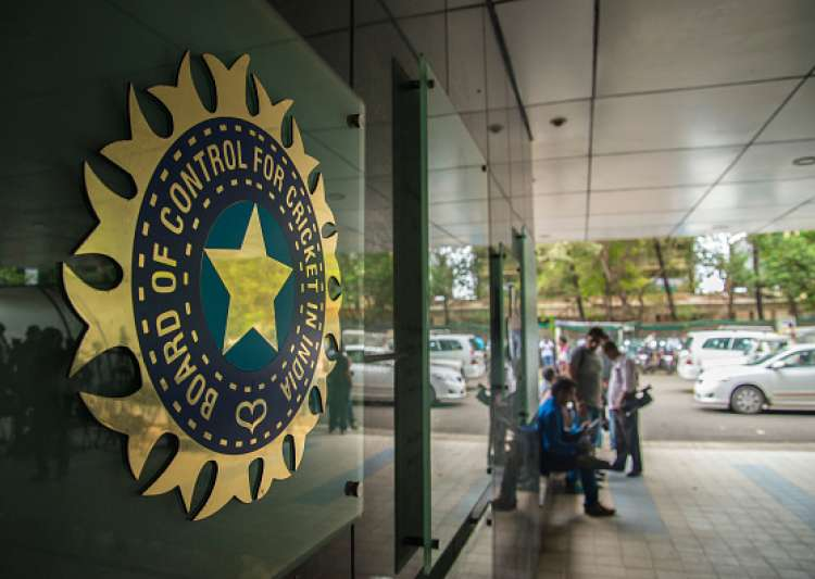 BCCI springs yet another surprise to stall Lodha panel reforms