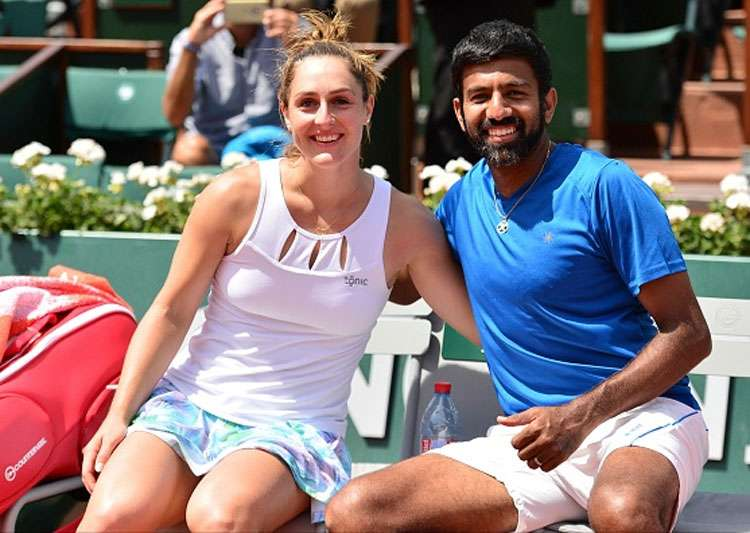 Bopanna wins to advance to quarterfinals, Sania loses