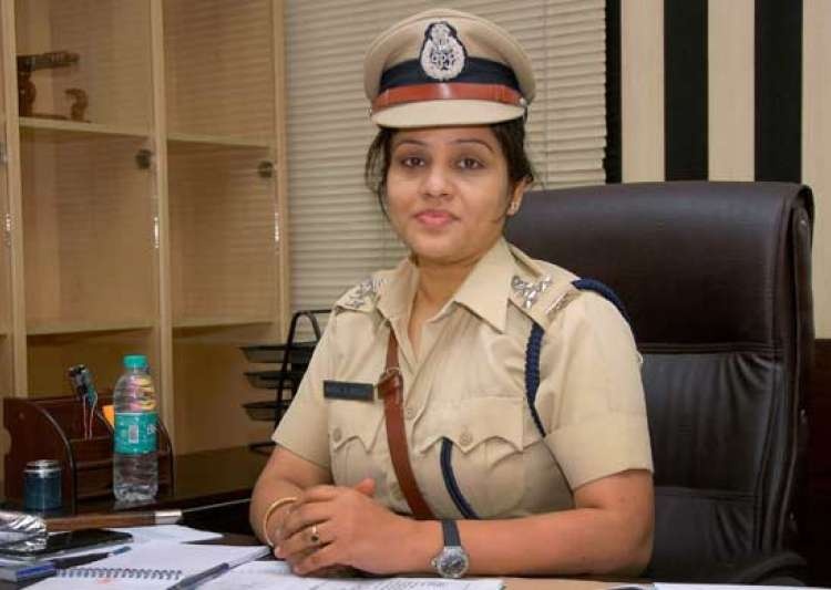 Defamation suit against DIG Roopa: Expose VVIPs, get sued?