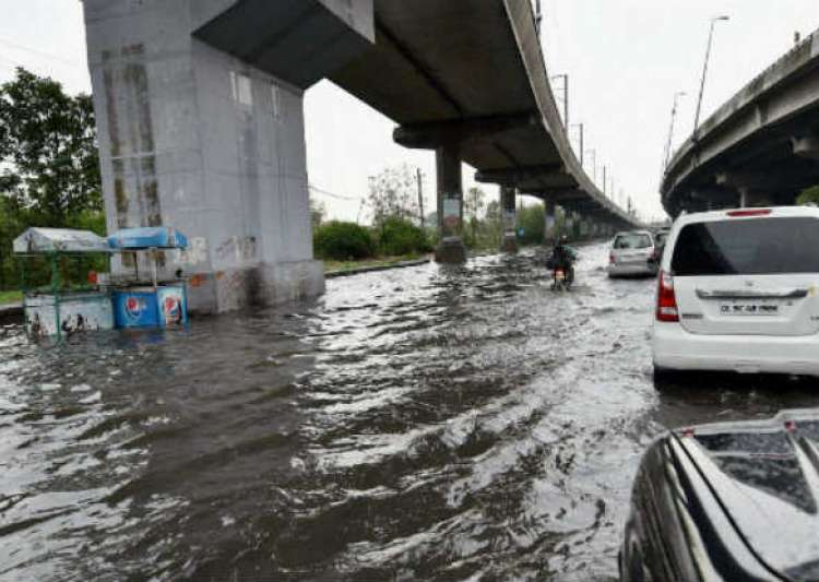 Lucknow remains water-logged- India Tv