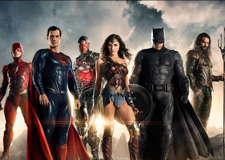 Watch the new JUSTICE LEAGUE trailer from Comic-Con and more