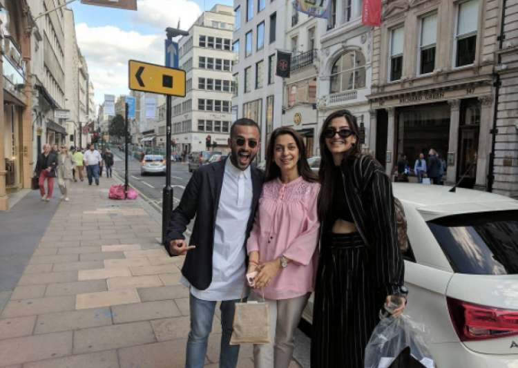 Sonam Kapoor And Rumored 'Boyfriend' Anand Ahuja Caught 'Red-Handed' In London
