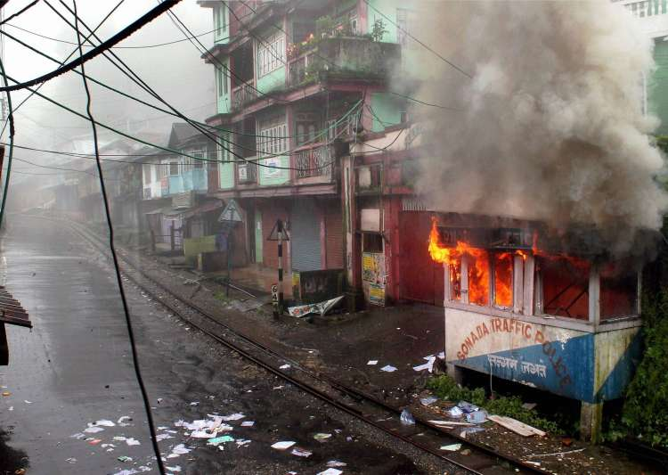 Darjeeling unrest: GJM protestors set vehicle on fire