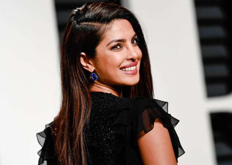 Hollywood return Priyanka too good for IIFA? Here's her ideal response!
