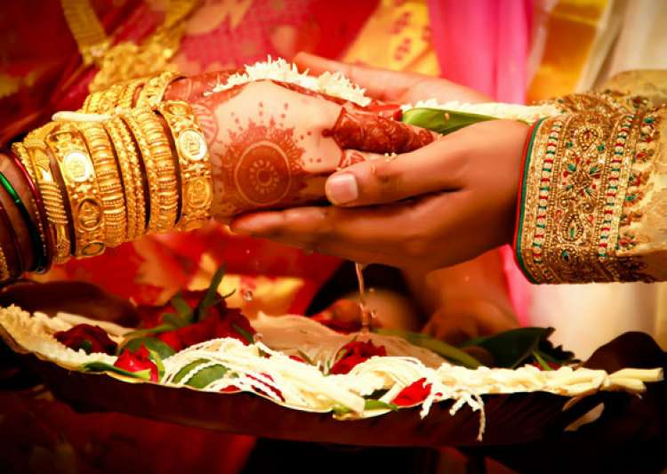 UP Govt Aims To Gift Condoms To The Newly Weds!