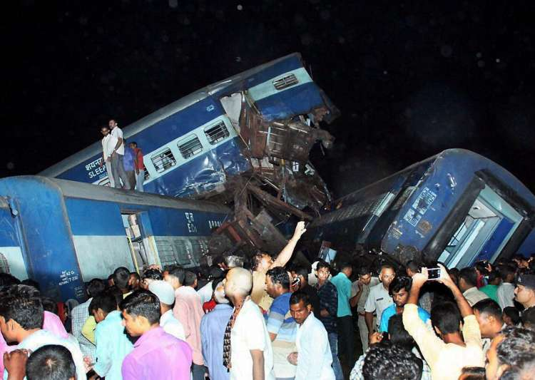 Muzaffarnagar derailment: Owner of the damaged house demands compensation from Railways