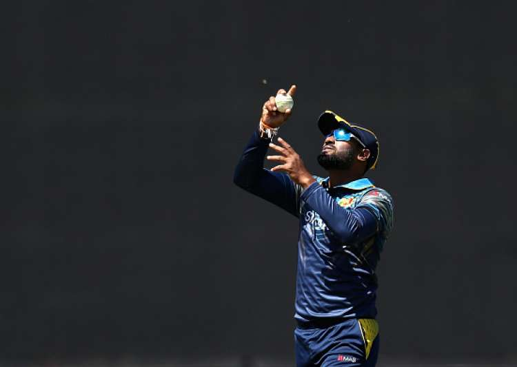 Lanka elect to bat in do-or-die game