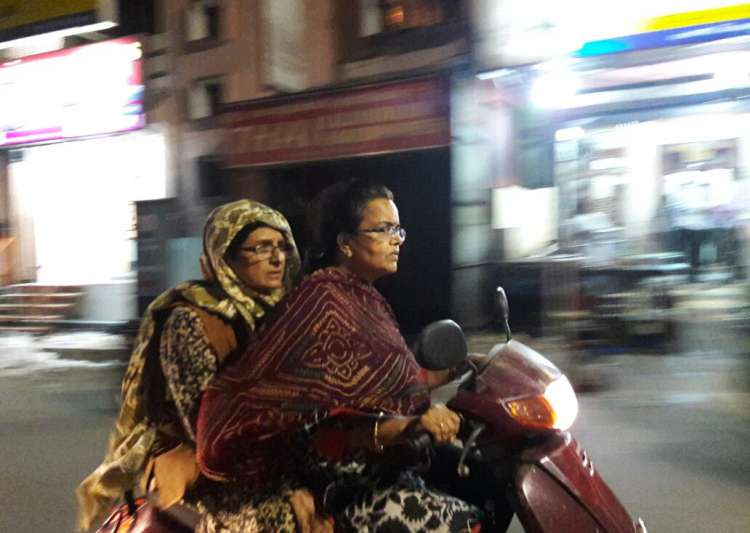 Kiran Bedi hits Pondicherry roads in disguise, finds no police
