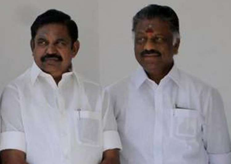Palaniswami, Panneerselvam pay tributes at Jaya memorial