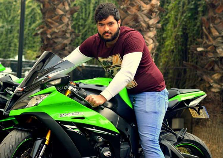 Delhi man dies after racing superbike with friends, accident caught on camera