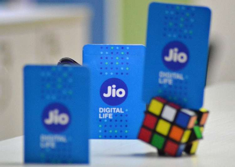 Reliance Jio offering Rs 75 and Rs 76 cash back on recharge