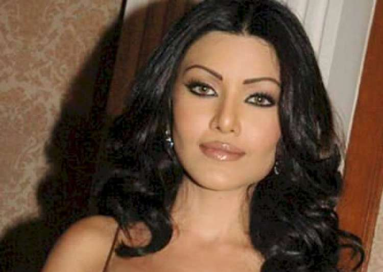 Koena Mitra faces sexual harassment, files complaint with Mumbai police