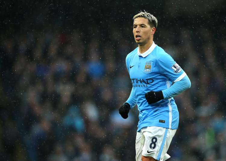 Nasri quits Man City