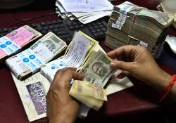 falling rupee to up inflationary pressures say experts