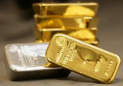 gold hits record high of rs 29 590