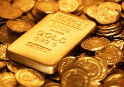 gold tumbles rs 320 silver hit five year low on global cues