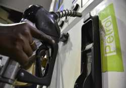 oil ministry mulls over lpg diesel price hike