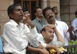 sensex falls 161 points gdp growth dims rate cut hopes
