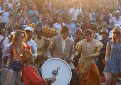 big b shoots for sanjay dutt as a jesture to support him