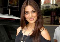 bipasha finds it tough to shoot outdoors in india