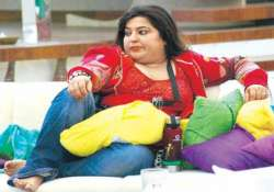 dolly bindra files complaint about threatening phone calls